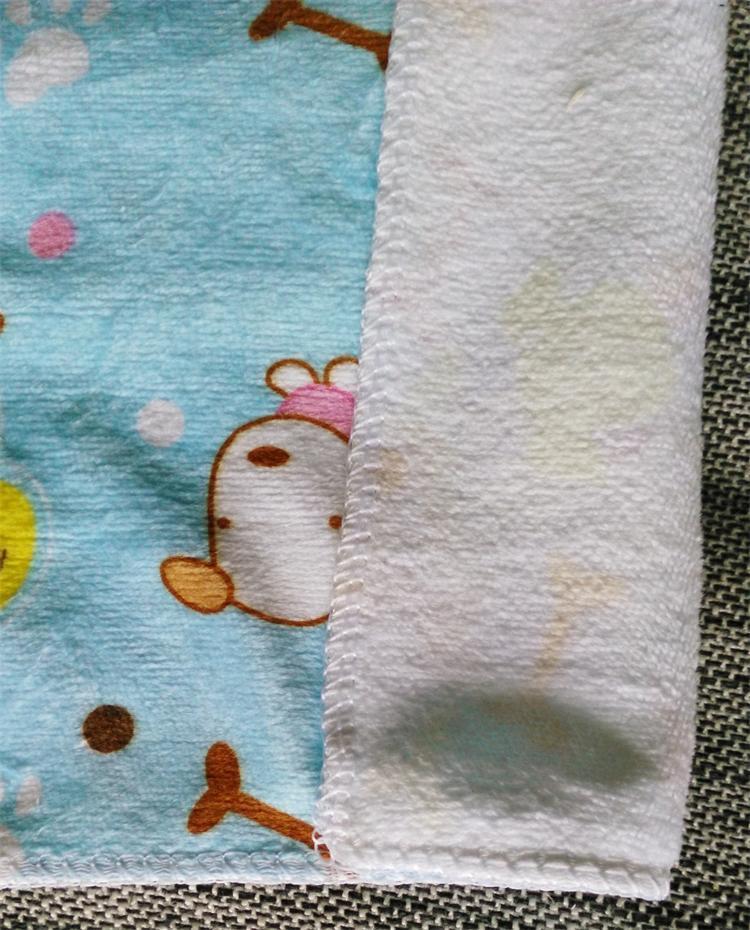 만화 인쇄 수건 광장 수건 25 * 25cm 어린이 부엌 깨끗한 천 마이크로 파이버 혼합 된 색 2 개 / 많은