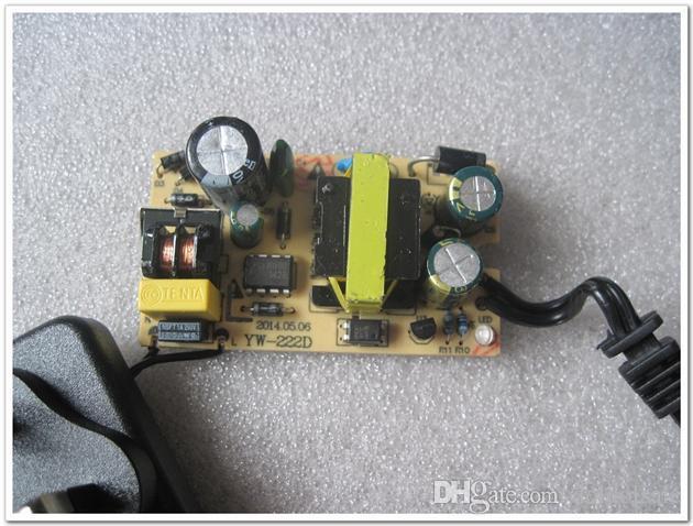 50 stücke AC 100-240 V zu DC 24 V 1A Ladegerät EU UNS UK Stecker DC 5,5x2,1mm / 5,5x2,5mm 5,5 * 2,1mm / 5,5 * 2,5mm Netzteil
