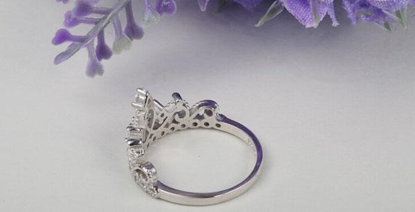 SAF! 925 Ayar Gümüş Lüks 18 K Katı Beyaz Altın kaplama Avusturyalı Kristal Zirkon Taş Yüzük Nişan Düğün Prenses Taç Yüzük
