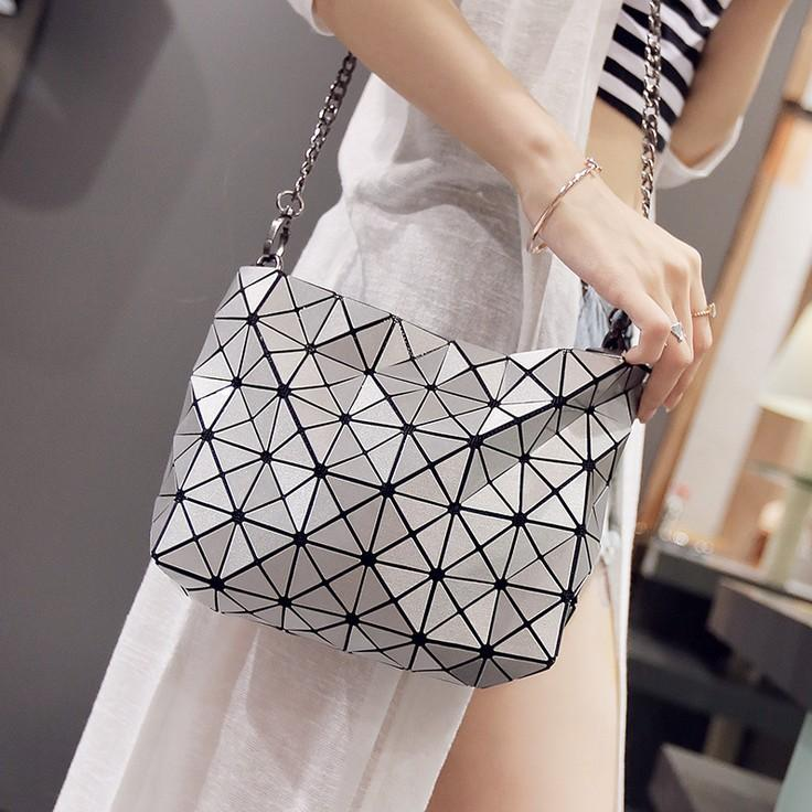 cb7a8b5c90 2016 New Style High Quality Women Handbag Brand Designer Geometric Bag  Chain Crossbody Shoulder Bag Women S Messenger Bags Bolso Beach Bags Duffle  Bags From ...