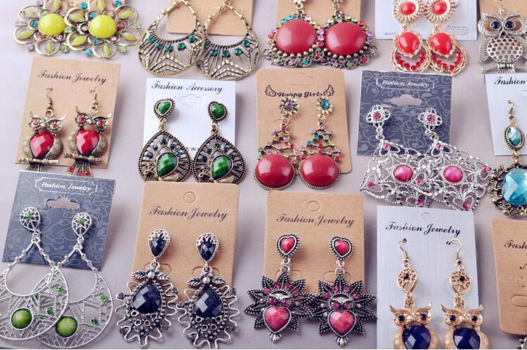 Inventaire forfaitaire à petit prix avec boucle d'oreille de style mixte Boucles d'oreille de palais rétro style Bohême 1500g $ $ 86
