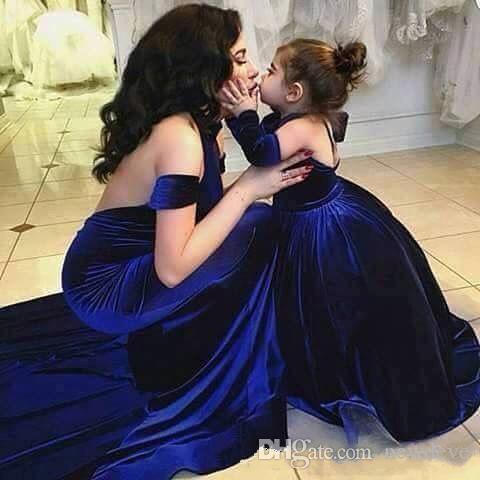 Royal Blue Mermaid Mutter Mutter der Braut Kleid Passenden Tochter Kleider Samt Sexy Backless Prom Kleider