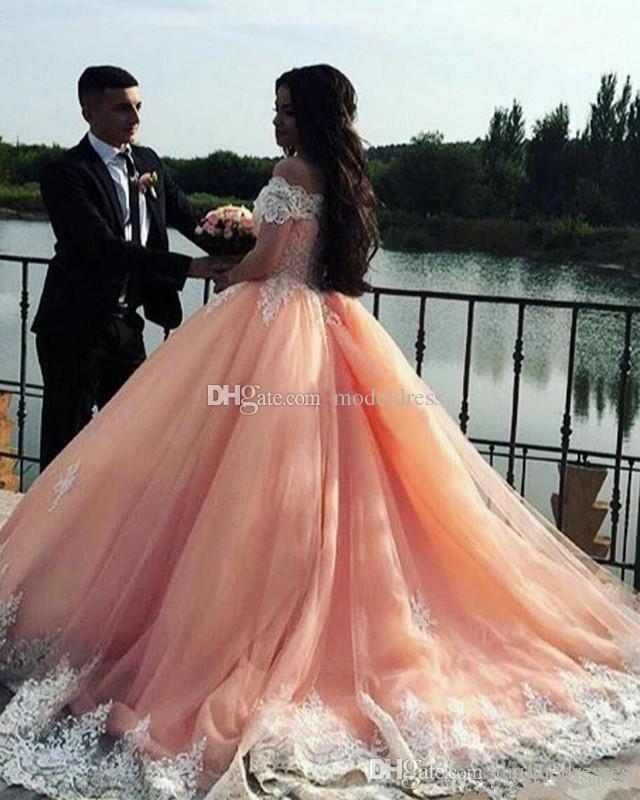 Sweet 16 Peach vestidos de quinceañera 2019 Hombro Apliques hinchada del corsé vestido de bola de la princesa de 15 años Niñas Partido Prom Vestidos Volver personalizada