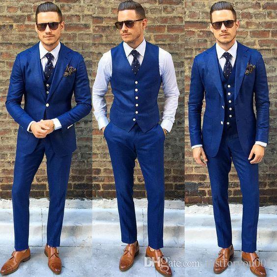 93083d05111 Compre Royal Blue Men s Fomral Dinner Party Dress Dress 2018 Custom Make  Wedding Tuxedos Groom Suit Suit Groomsmen Wear Jaqueta + Calça + Colete De  ...