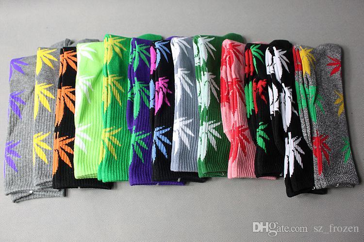 2015 New arrival Unisex Plantlife Cotton Skateboarding Socks Men's Maple Leaf Socks Hip-hop Hosiery Warm Thick men/women sport Socks A-0037