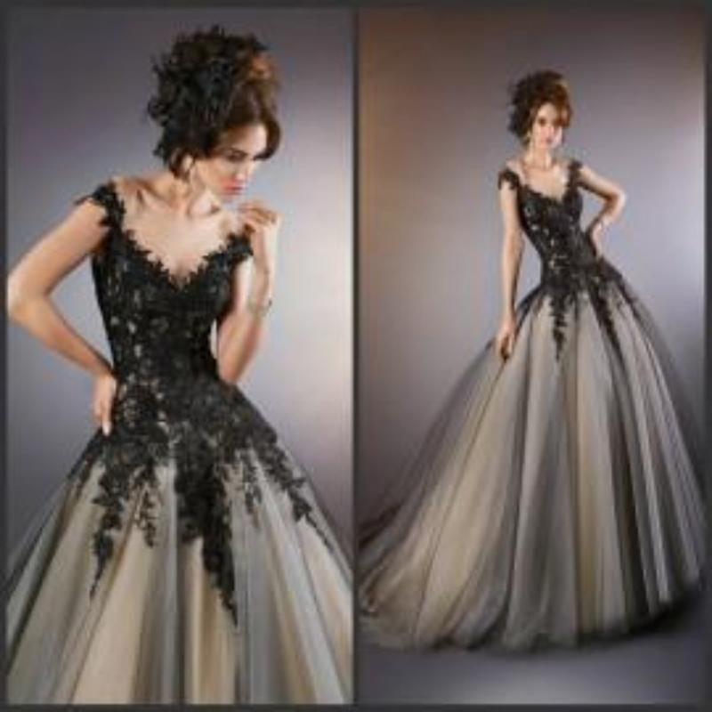Discount Vintage Black Gothic Wedding Dresses A Line: Discount 2015 Victorian Gothic Wedding Dresses A Line Ball