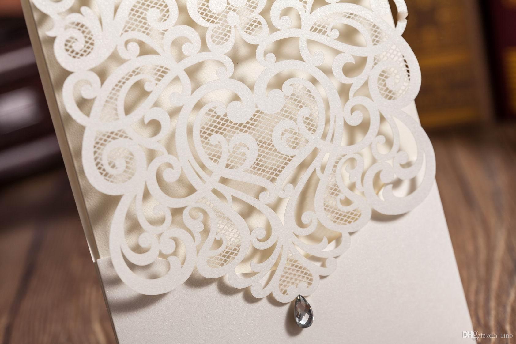 Lazer kesim düğün davetiyeleri kartları Kişiselleştirilmiş Hollow Düğün Davetiyeleri Kartları Düğün Malzemeleri Ücretsiz Özel Baskı Sıcak