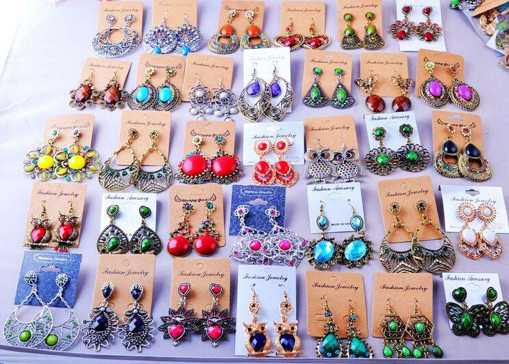 Losowe Mix 100 Styl 100 Par / Vintage Tybetański Silver / Bronze Resin Gem Moda Kolczyki Hurtownie Kolczyki Nowa Biżuteria Moda