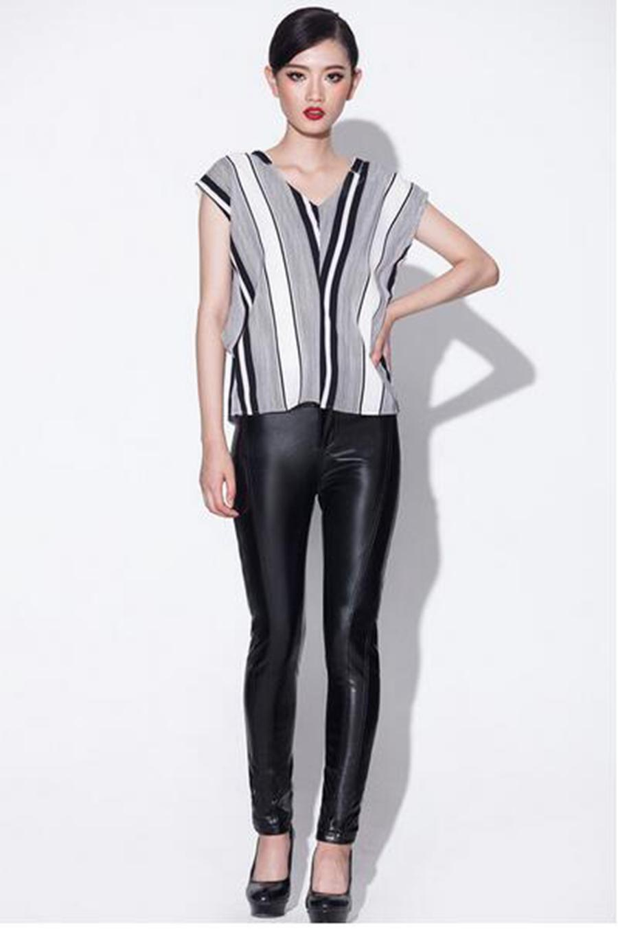 Women winter in Europe and the new han edition quality goods more elastic and velvet tight leggings thin leather pants. S - 4xl