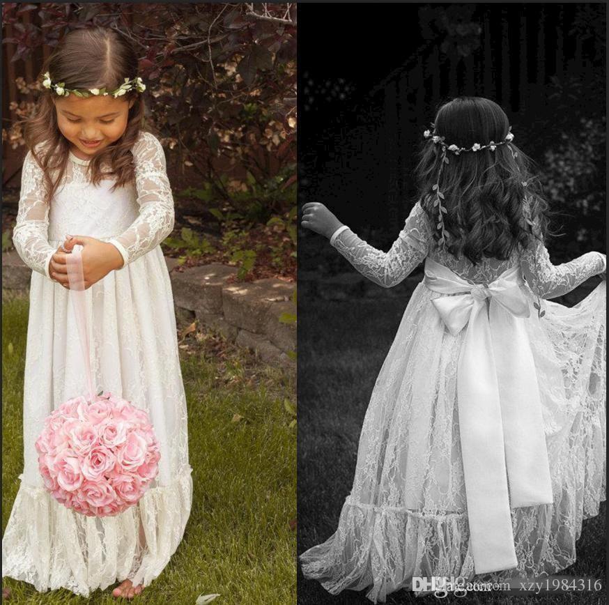 Şeffaf Dantel Boyun Çiçek Kız Elbise Uzun Kollu Kat Uzunluk Ruffles Fildişi Flowergirl Elbiseler Çocuklar için Bow Kanat Bohemian Gelinlikler