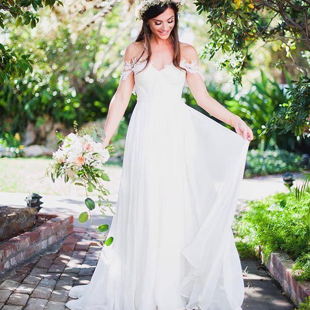 Discount 2018 Cheap Bohemian A Line Wedding Dresses Off Shoulder Lace Appliques Chiffon Summer Long Floor Length Plus Size Boho Bridal Gowns Panina