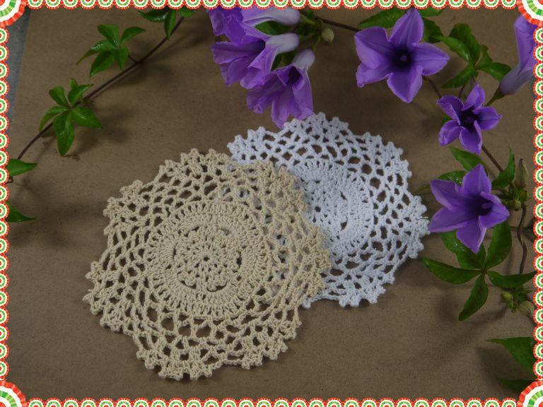 Tovaglietta fatta a mano con tovagliette, tappetino ecru bianco, coppetta, sottobicchiere, applique uncinetto 5.2