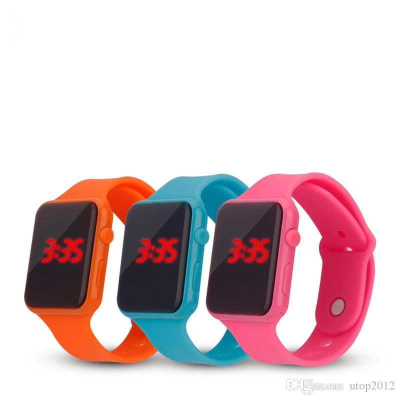 Sıcak Yeni Kare Ayna Yüz Silikon Band LED Dijital İzle Kırmızı LED Saatler Kuvars Bilek İzle Spor Saat saatleri