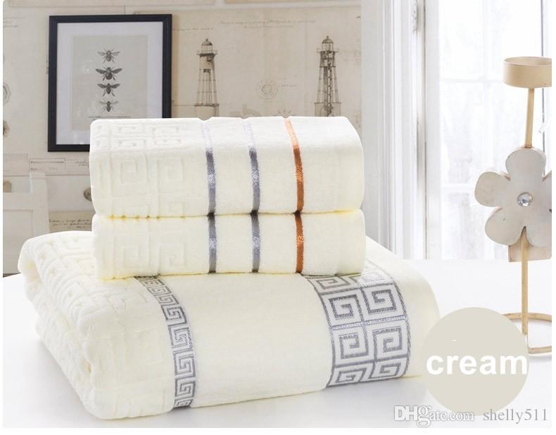 Serviette de bain suspendue Set 100% coton Serviettes de cadeaux Serviette de bain + serviette de visage Home Textile Textile Serviettes de toilette