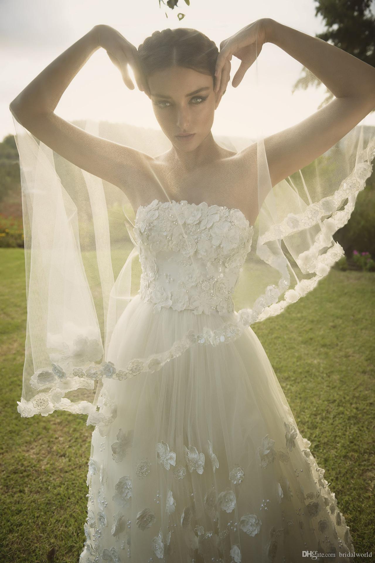 Prinzessin Brautkleider A-Linie Tiered Röcke Kathedrale Zug Vintage Hochzeit Zipper Zurück 3D-Floral Applique Perlen Perlen Brautkleid