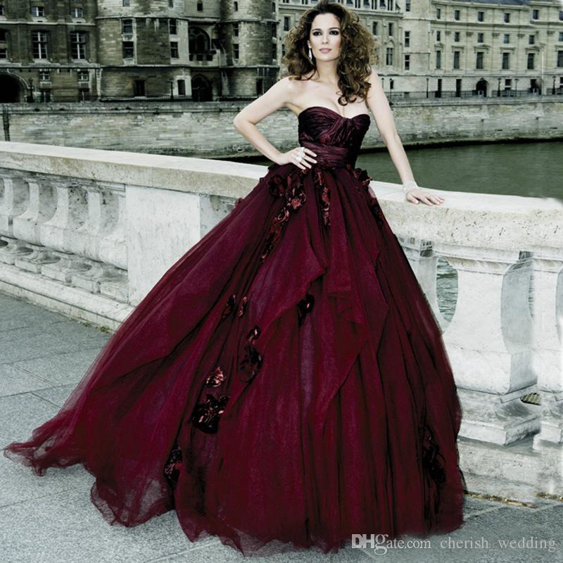 2017 viktorianischen gothic brautkleider ballkleid tüll schatz mit handgemachten blumen burgund halloween brautkleider vestido de novia