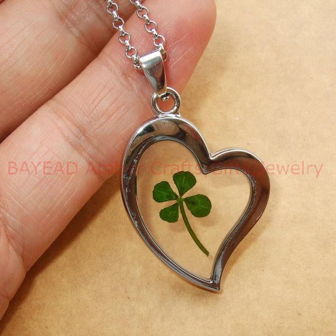 Wholesale real 4 leaf lucky clover heart pendant jewelleryreal wholesale real 4 leaf lucky clover heart pendant jewelleryreal shamrock clover leaf necklace pendant fashionable jewellerylover gift silver jewellery mozeypictures Image collections