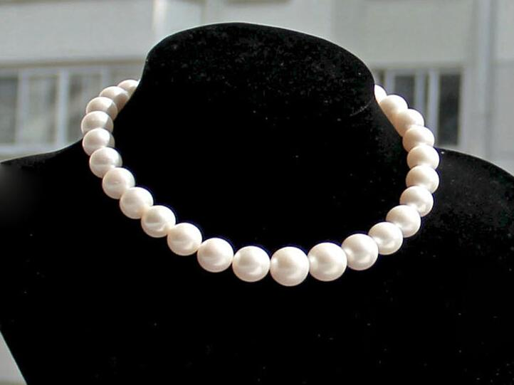 luxury Large particles 10-11 mm Is round bright light Natural freshwater pearls The necklace best gift