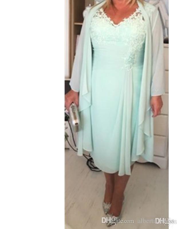 Menta Verde V Pescoço Coluna Curto Mãe da Noiva Vestidos com Envoltório Plus Size Casual 2019 Chiffon Noite Gace Chá Comprimento
