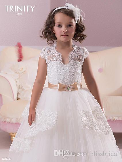 Cute White Lace Christmas Wedding Flower Girl Dresses With Ribbon Sash CAPPED Sleeves Kid Girl Pageant Gowns Custom made Puffy Tulle