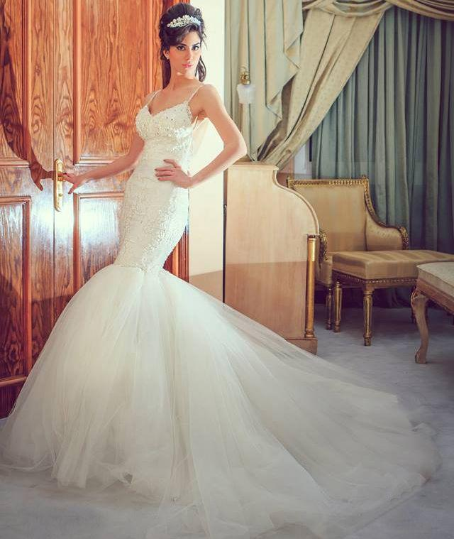 Sexy Fitted Mermaid Wedding Dresses 2016 Beaded Applique Spaghetti Strap Lace Backless Gowns Bride Designer Cheap