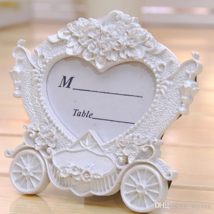 Western Style White Carriage Seat Card Clip Fashion Gift The Wedding Scene Props for Wedding Table Accessories