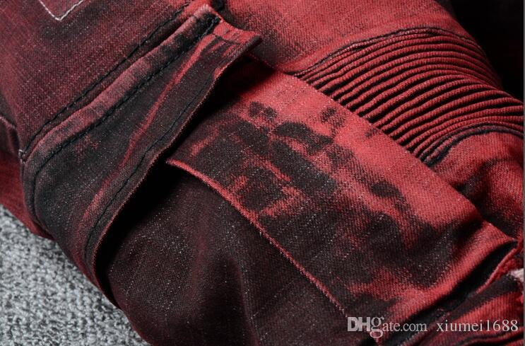 2018 Men Jeans Drape Panel Big Pocket Design Men Casual Moto Biker Jeans Stylish Vintage Washed Denim Pants Relaxed Trousers Red