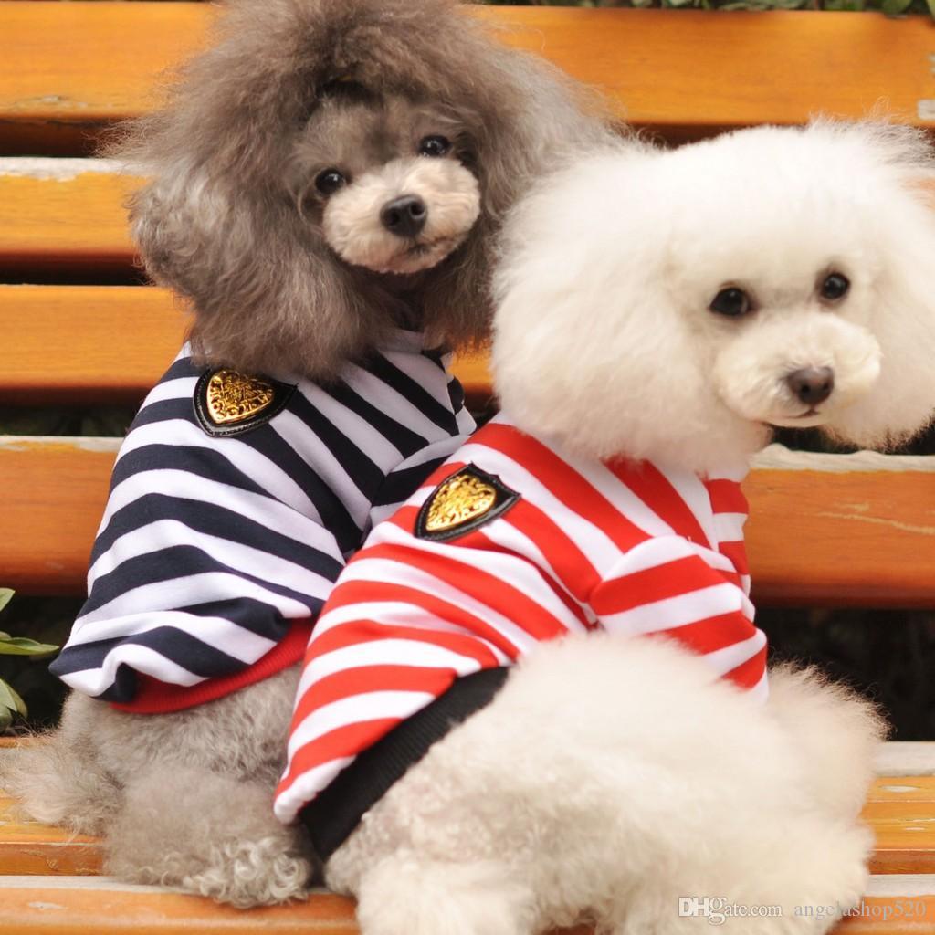 Fábrica de atacado Vestuário para cães clássico primavera roupas para cães de verão tarja horizontal T-shirts de pelúcia roupas de cachorro redbalck cores