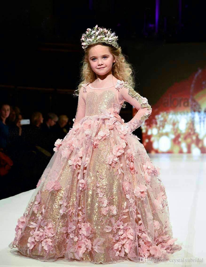 2018 Vestido de fiesta con lentejuelas doradas Vestidos para niñas Vestidos de manga larga Vestido de niña de las flores para niños Rosa Apliques 3D florales Vestidos de primera comunión