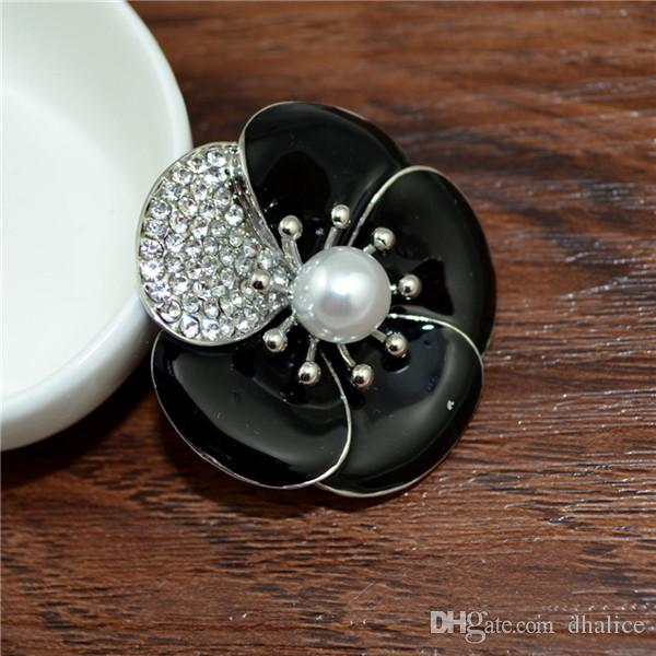 China Suppliers Jewelry Yiwu Real Gold Plating Flower Brooch With Black Resin Stone And Pearl Hot Sale For Women