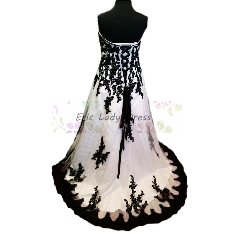 2015 Modest White And Black Wedding Dresses Lace Appliques Plus Size Strapless Tulle Wedding Gowns Long Cheap Vintage Bridal Dresses