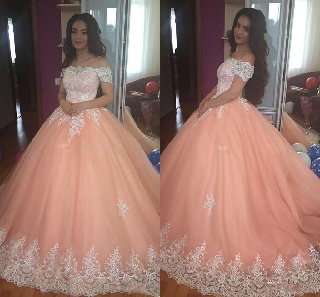 c9df9effcd9 Doce 16 Pêssego Vestidos Quinceanera 2018 Fora Do Ombro Apliques Puffy  Corset Voltar vestido de Baile Princesa 15 Anos Meninas Vestidos de Festa de  ...