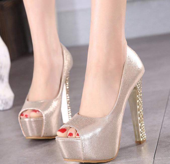 756a5f21a4 Compre 2016 Sexy Peep Toe Grosso Sapatos De Plataforma De Salto Alto Sapatos  De Casamento De Prata De Ouro Modelo Super Festa Clube De Dança Sapatos  13.5 Cm ...