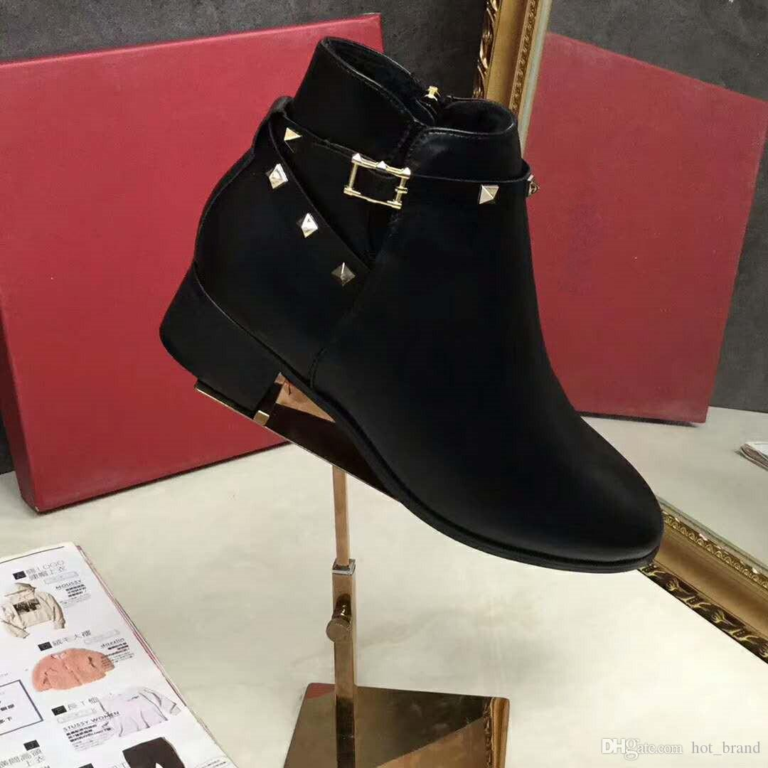 2017 New Women Rivets Ankle Boots Black Classic Ladies Martin Motorcycle Boots Back Cross Strappy Pointed Toe Fashion Female Winter Shoes