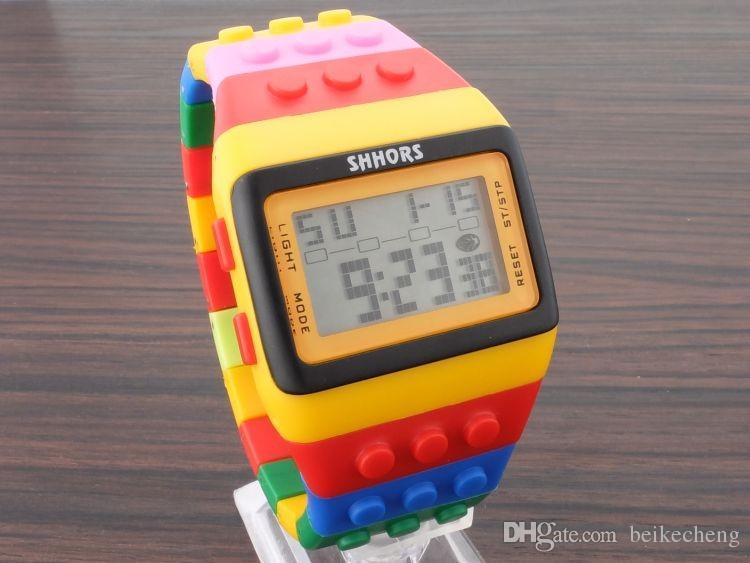 도매 / 믹스 SHHORS 디지털 시계 사탕 야간 조명 깜박이 방수 남여 젤리 레인보우 알람 시계 WR006 깜박이 최대