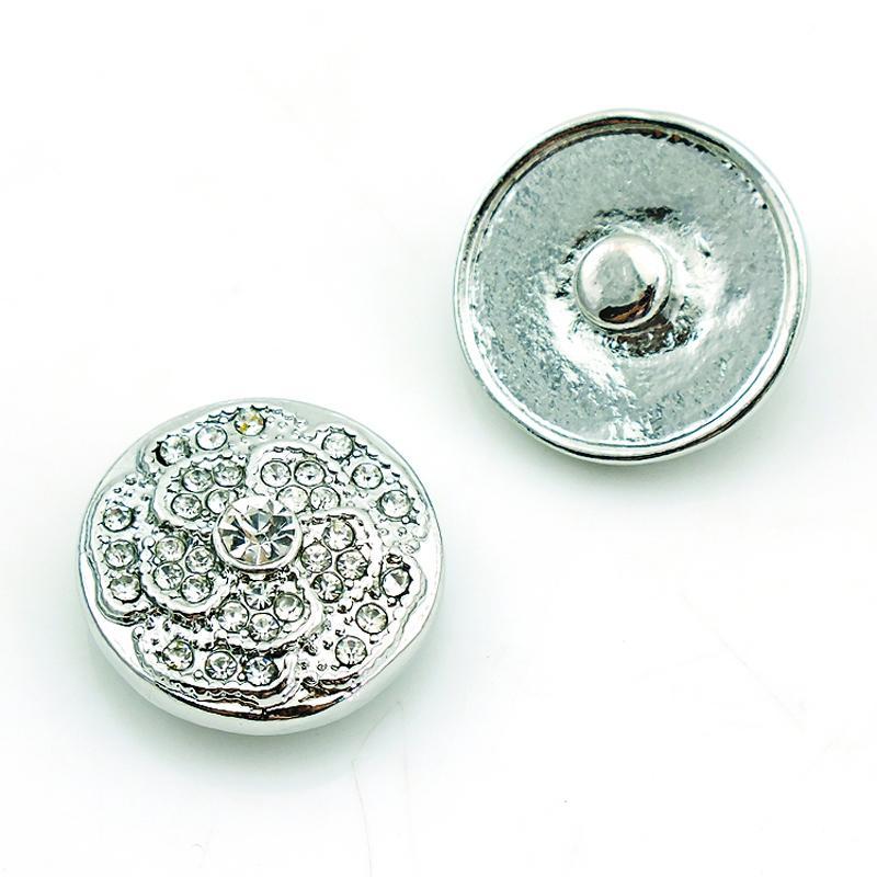 Mode 18mm Snap Boutons Charmes Blanc Strass Étamines Alloy Fermoirs Interchangeable DIY Noosa Bracelets Bijoux Accessoires NKC0057