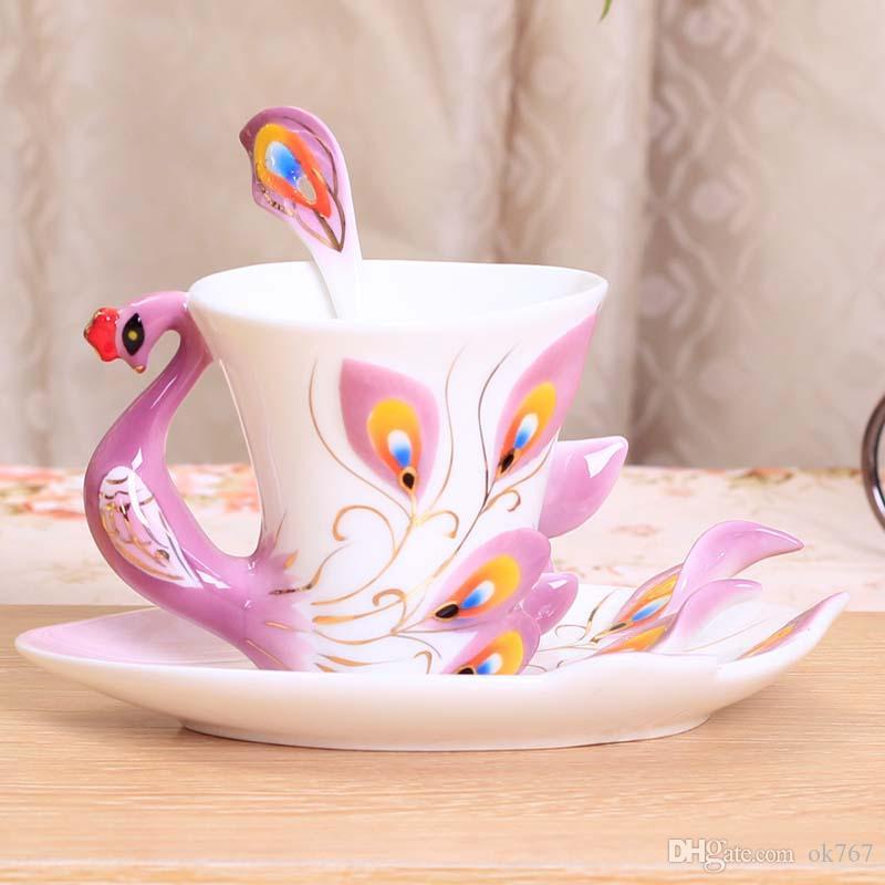 Toptan-Peacock Kupası Kupalar Seramik Boyama Yaratıcı Fincan Kemik Çini 3D Renk Emamel Porselen Tabak Kaşık Kahve Çay Setleri Noel Hediyesi