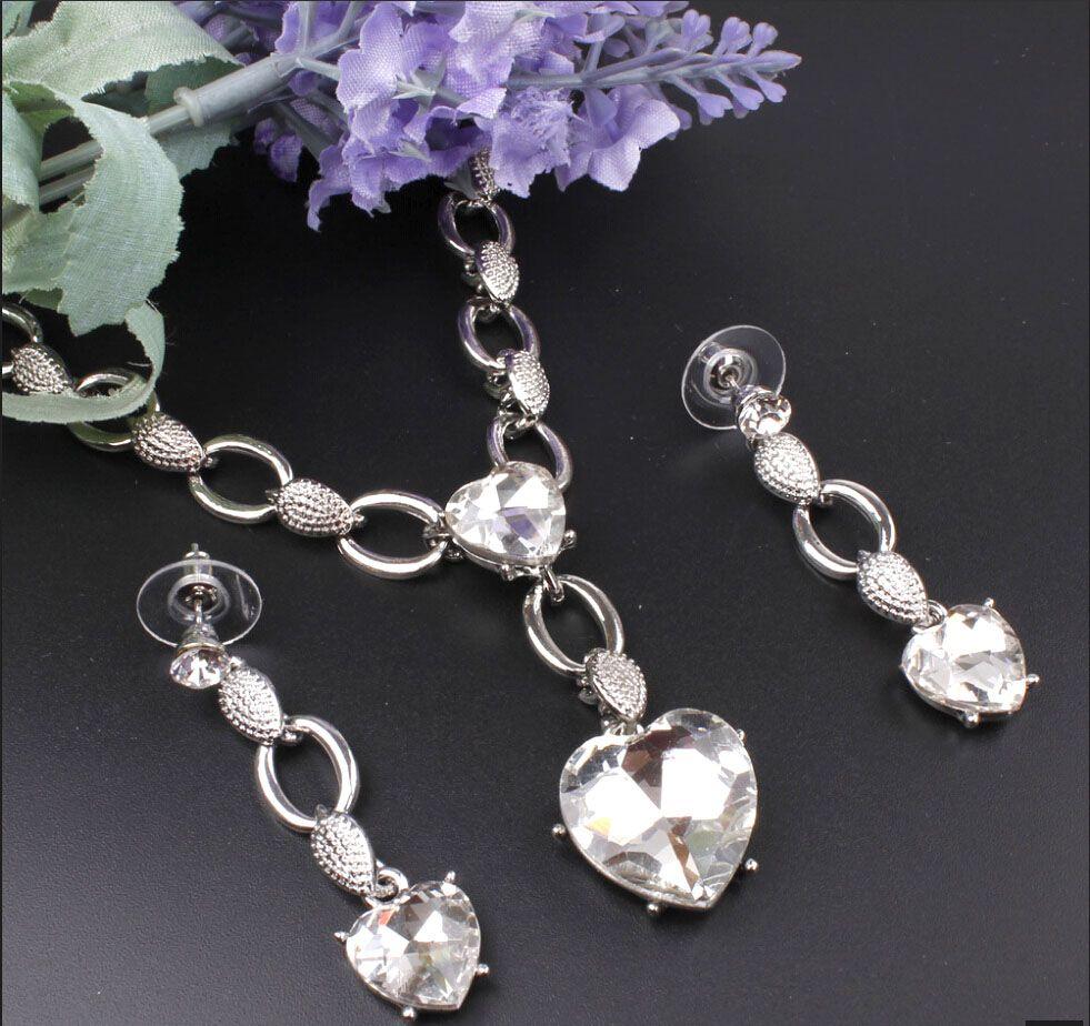 Sıcak Satış Aşk Kalp Şekli 18 K Gümüş Kaplama Kadınlar Için Avusturyalı Kristal Kolye Küpe Takı Seti Gelinlik Aksesuarları