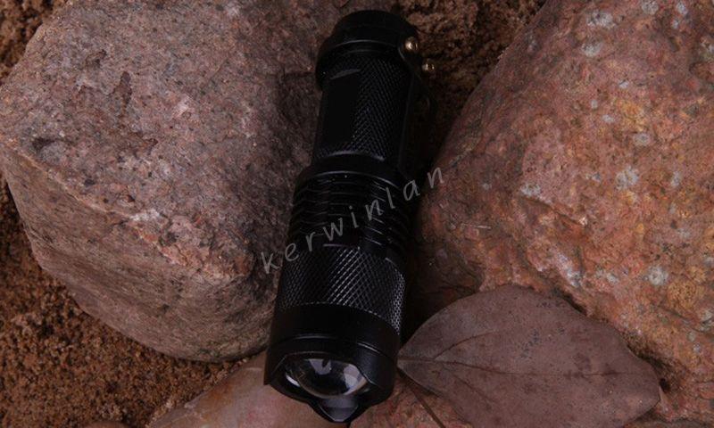 UltraFire Flashlight CREE XML T6 LED 1600 Lumen Tragbare Mini-Taschenlampe Zoom 3 Modi Wasserdichtes Fahrrad-Fahrradlicht mit 18650 Akku + Ladegerät