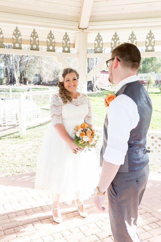 Discount Lovely Short Lace Wedding Gowns Half Long Sleeve Calf Tea ...