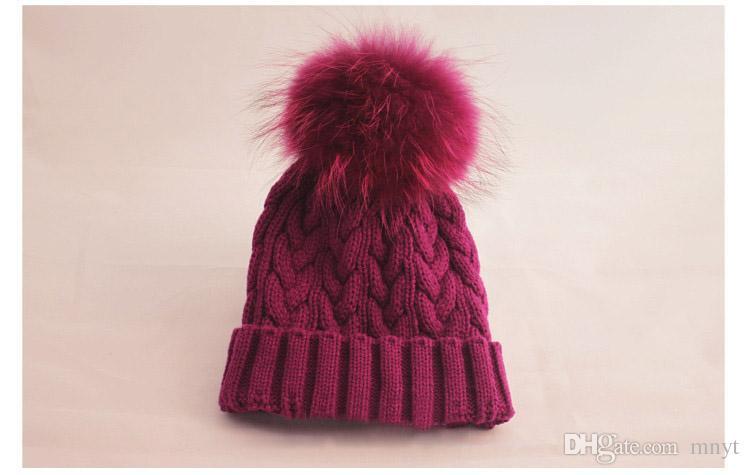 Großhandels-Neuer Stilvoller multi Farben-Hut im Winter für Frauen wärmen Kleid-Zusätze Skullies Beanies mit 100% realen Pelz Pom Poms