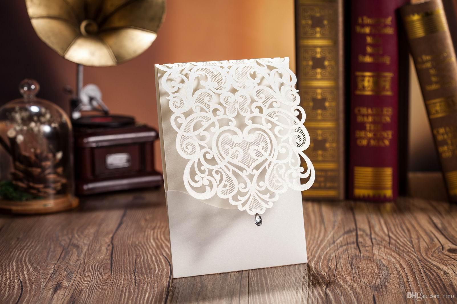 Tarjetas de invitaciones de boda cortadas a láser Tarjetas de invitación de boda huecas personalizadas Suministros de boda Impresión personalizada gratis