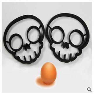 kitchen cooking tool unique design Silicone Rubber egg mold Non-stick Skull Eggs Fried Frying Mould Pancake Egg Ring Shaper Mold TT65