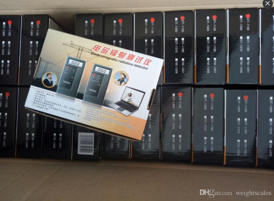 Rilevatori di radiazioni digitali LCD Misuratori EMF Dosimetro Rilevatore elettromagnetico tester DT1130 9V Batteria inclusa / CTN