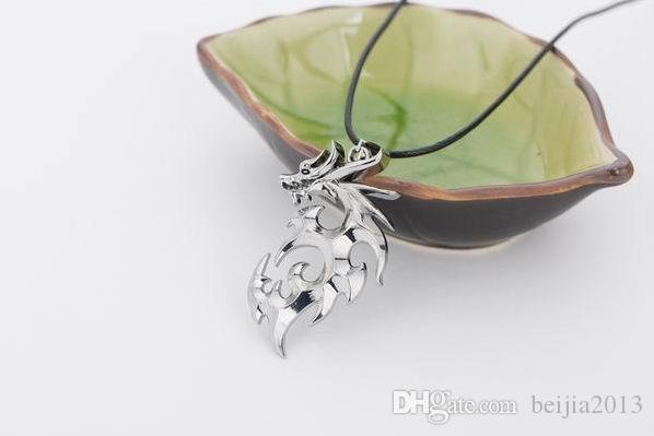 Punk personality Dragon Shape Accessories Necklaces & Pendants For Men New Fashion Silver party Jewelry Necklace NE101104