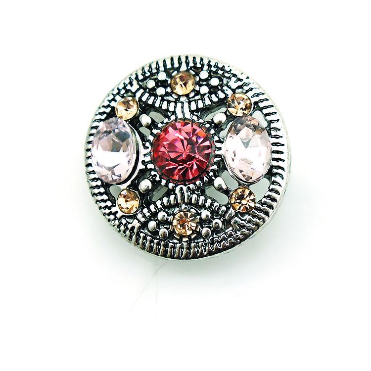 Hohe Anzahl 18mm Druckknöpfe Fashion Farbe 3 durchbohrte Kristall Metall Ginger Haken DIY Noosa Chunks Schmuck Accessoires