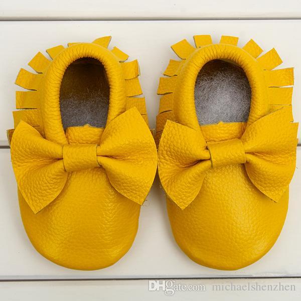 moccs Bébé mocassins semelle souple moccs en cuir véritable pré-marcheurs chaussons tout-petits / nourrissons frange arc vache en cuir chaussures mocassin A001