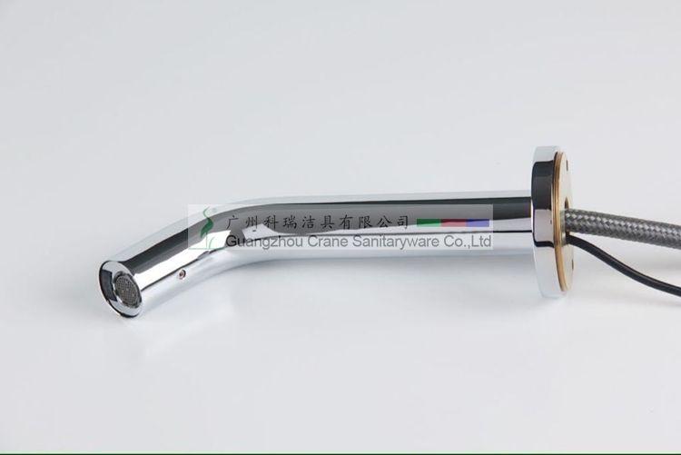 Robinet automatique fixé au mur / robinet commercial / robinet d'évier de navire / robinet de lavabo / mélangeur automatique