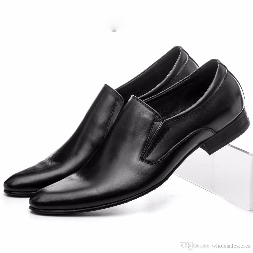 2f2a5a94db Compre 2018 Zapatos De Vestir Formales Para Hombre Zapatos De Boda Cuero  Genuino Pisos Mocasines Para Hombre Zapatos De Negocios A  82.42 Del ...