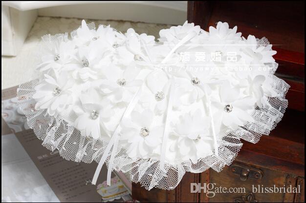 Сердце Стиль Сладкий Белый Жемчуг Цветы Кружева Кольцо Pliiows Кристалл Роскошные Свадебные И Жених Кольца Подушка
